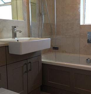 King bathroom refurbishment by Warwick Bathrooms